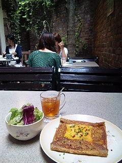 レンガに囲まれてガレット@Au Temps Jadis/渋谷