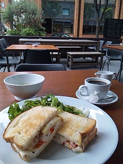 MARGARET HOWELL CAFE(マーガレット・ハウエル カフェ)
