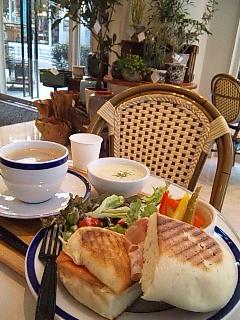 cafe de la villeパニーニ渋谷店