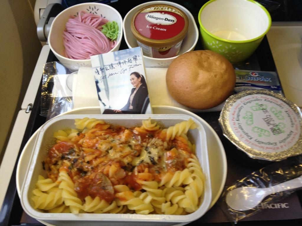 香港→羽田の機内食@キャセイパシフィック