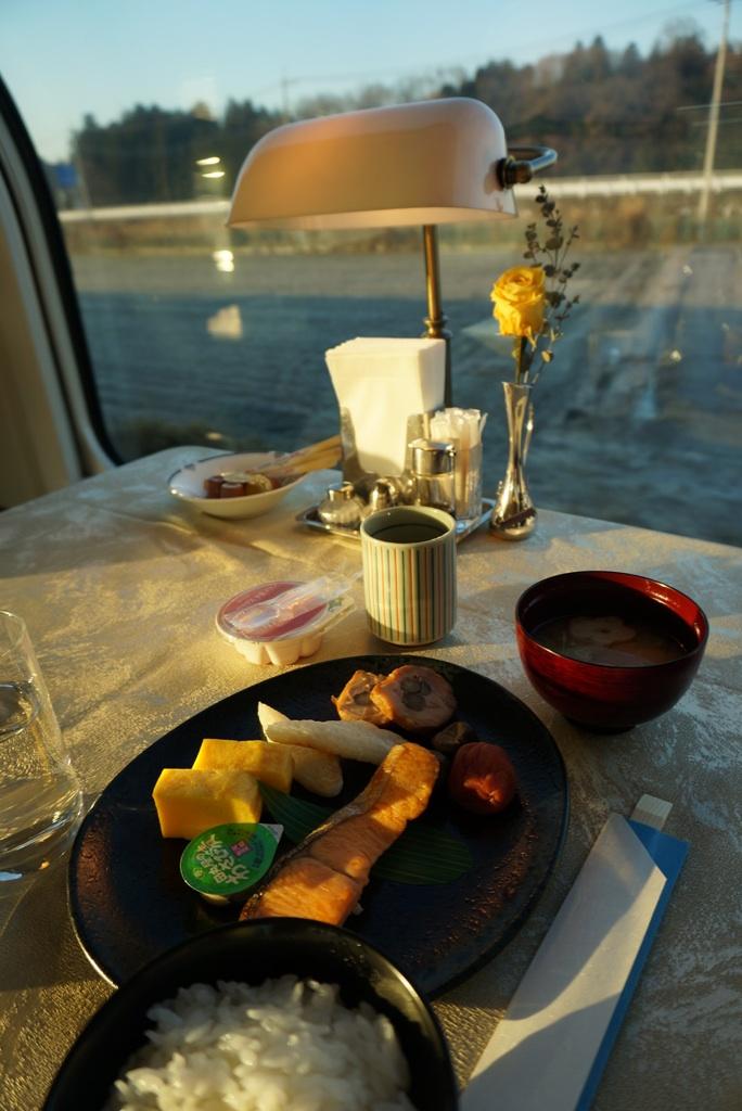 食堂車での朝食@カシオペア