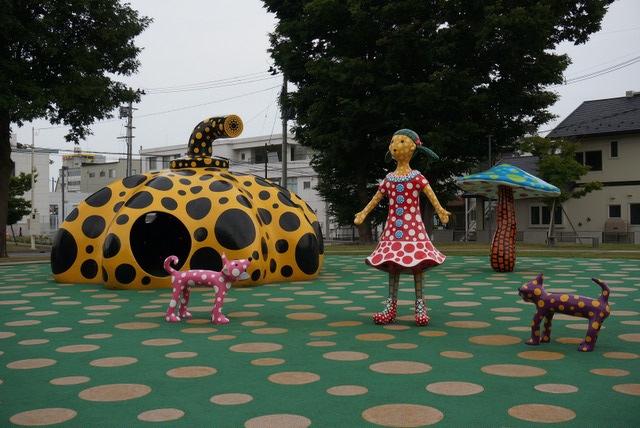 アート広場@十和田市現代美術館前
