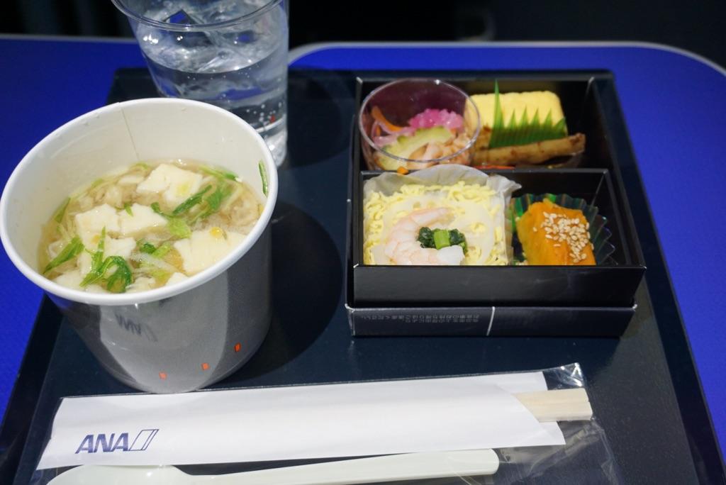 ANA(NH089 羽田→石垣)プレミアムクラス食事